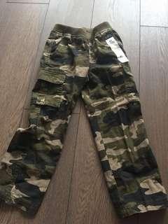 NEW Children's Place - Cargo pants (5T)