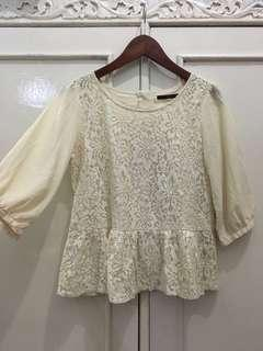 Blouse lace broken white