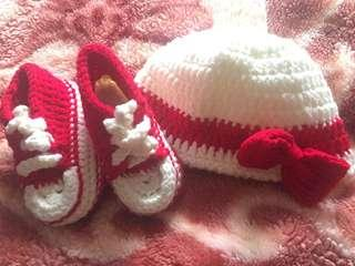 Handmade knitted hat& shoes