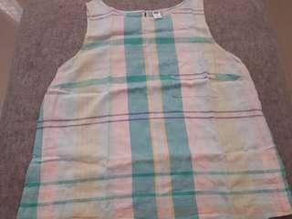 Old navy sleeve less top