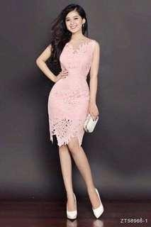 Beautiful lace dress in pink