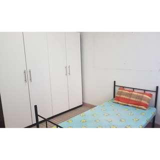 2 Common Rooms available ! Central location