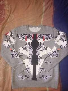 GIVENCHY CREWNECK SWEATER