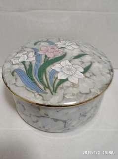 上世紀中期日本製造高溫手繪陶瓷胭脂首飾盒