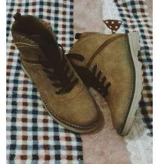 Boots (Brown, soft leather)