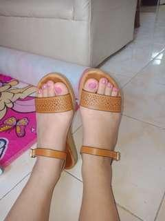 Sandal in brown for women