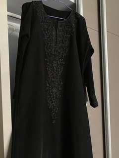Black Embroidery With Stones Abaya (XL)