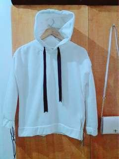 White Hoodie (worn once) (good as new)