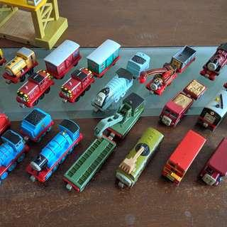 🔃 Assorted Thomas & Friends Learning Curve Trains/Vehicles (Metallic Body / Magnet Link)