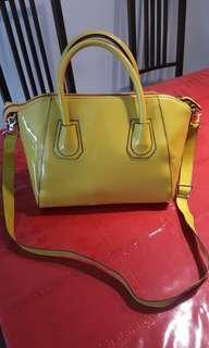 Sunny glossy yellow hand bag