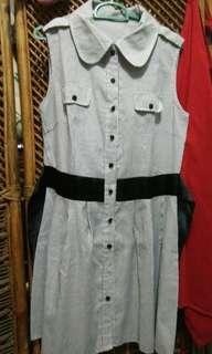 Dress garis tanpa lengan