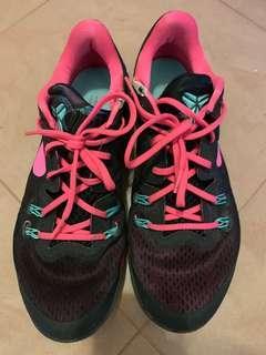 Nike kobe 籃球鞋