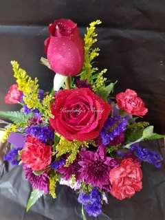 Roses table arrangements