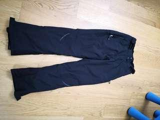Women skiing pants, used for 2 trips