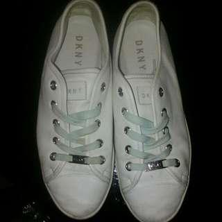 Authintic DKNY Sneakers White 40