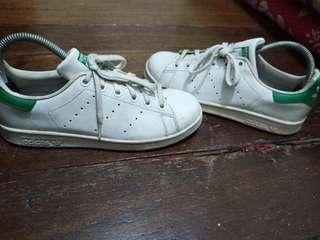 Adidas Stan Smiths----Womens US 7