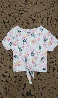 Tshirt Crop Putih Bunga