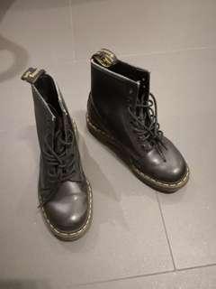 Dr. Martens Classic Boot