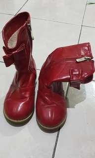 Red boots shoes