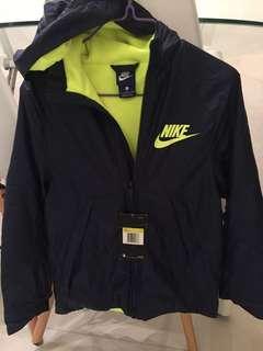 Nike 䄛