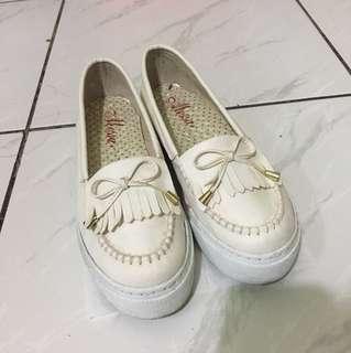 降價推 厚底百搭小白鞋