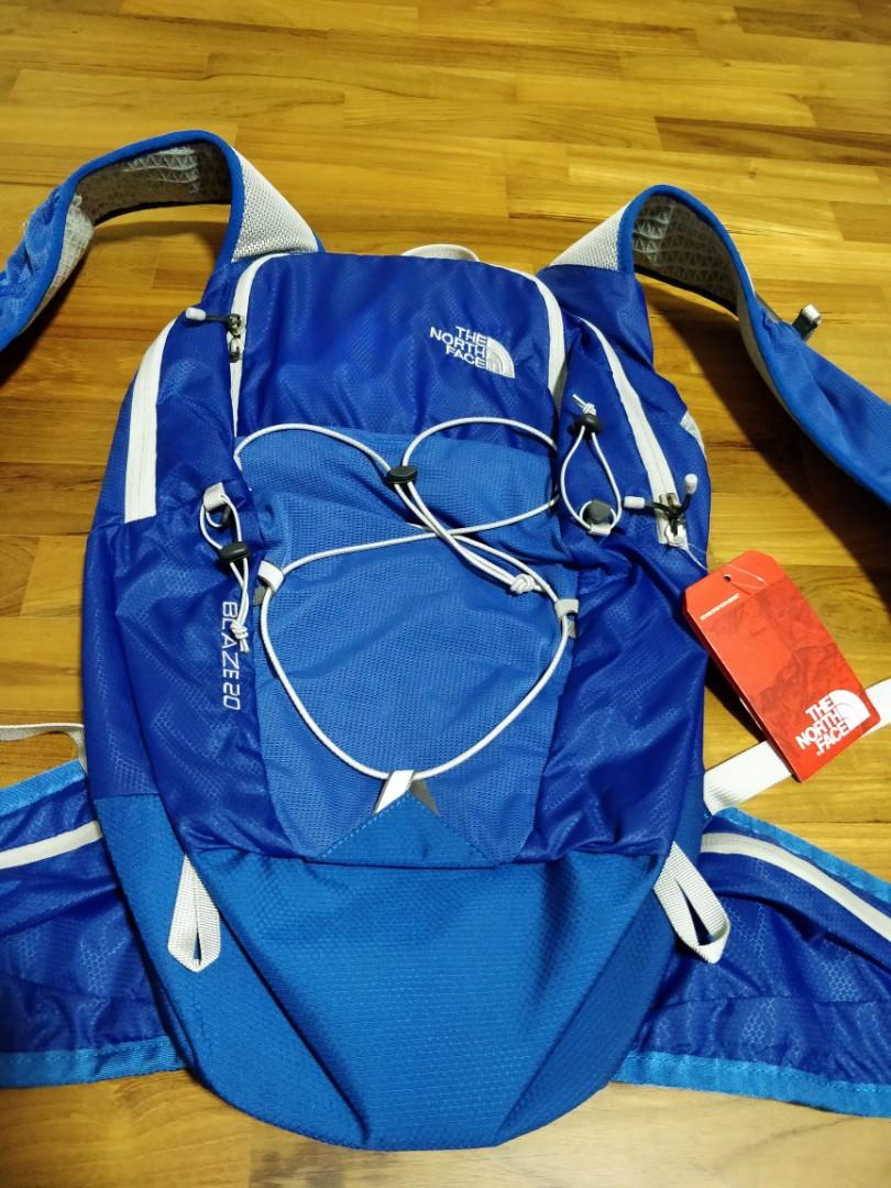 BNWT Northface Blaze 20 Running backpack 50839c981
