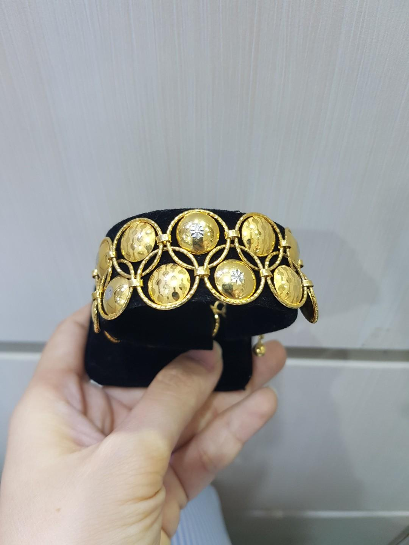 Gelang Emas motif Batik