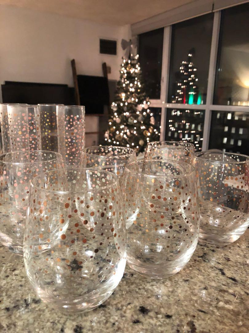 Glassware - Six stemless wine glasses & four champagne flutes