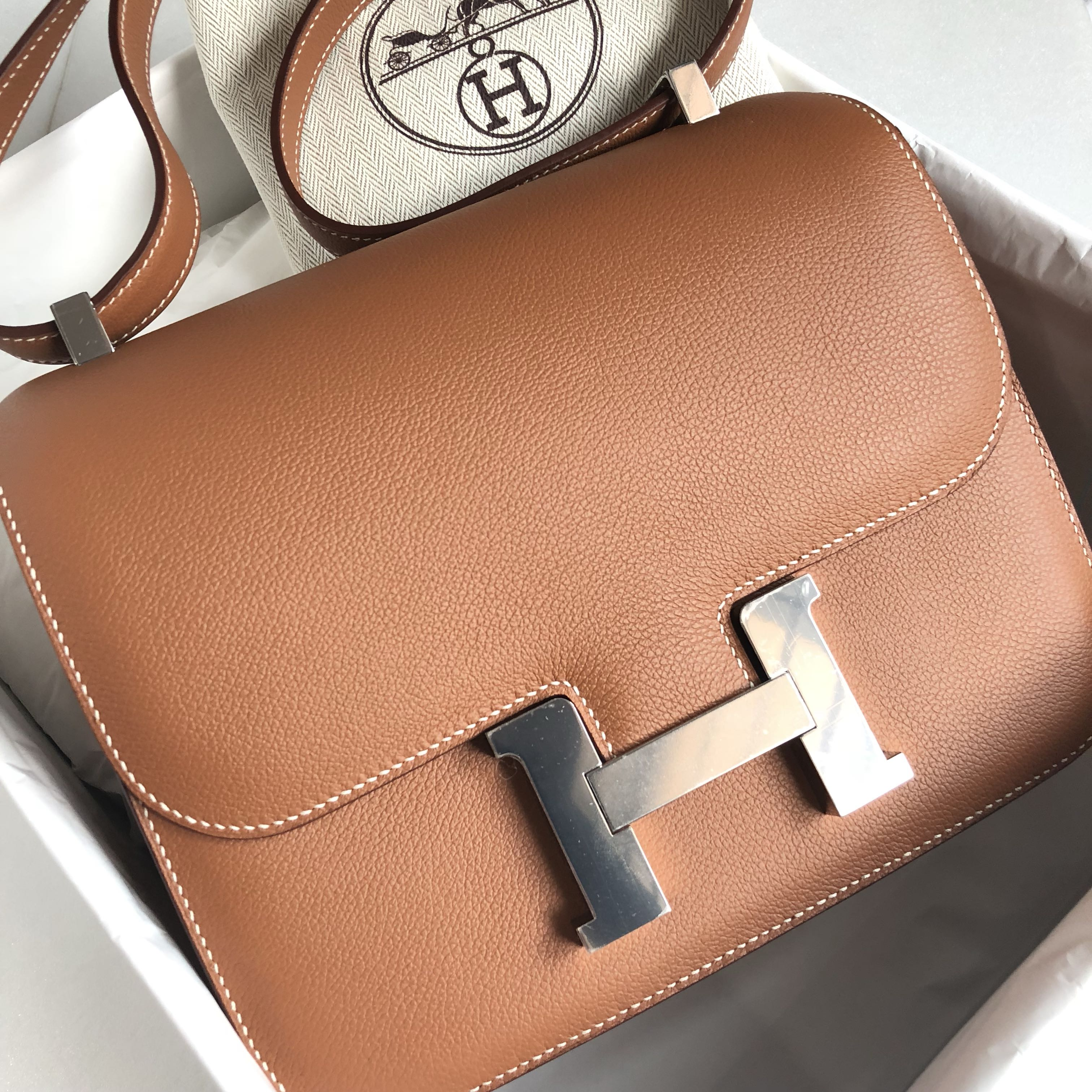 dbadab39c46a Hermes - Gold Sac Constance 24 in Veau Evercolour with PHW