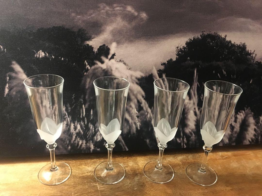 Mikasa Frosted flower Champagne set