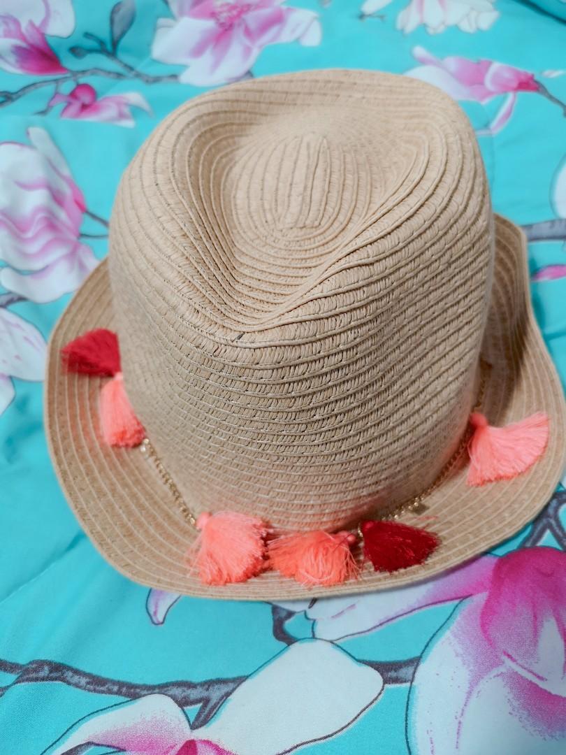 da2ae7d9a4d Miniso straw hat with tassels