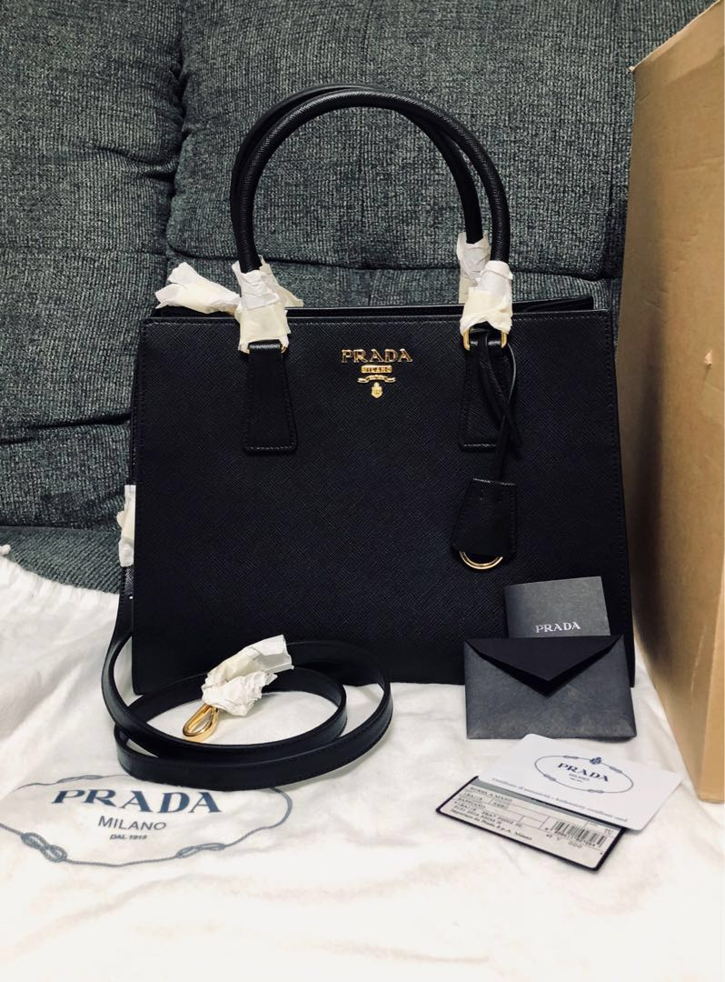 New Authentic Prada Borsa A Mano Saffiano Leather Bag f9c472ed21102