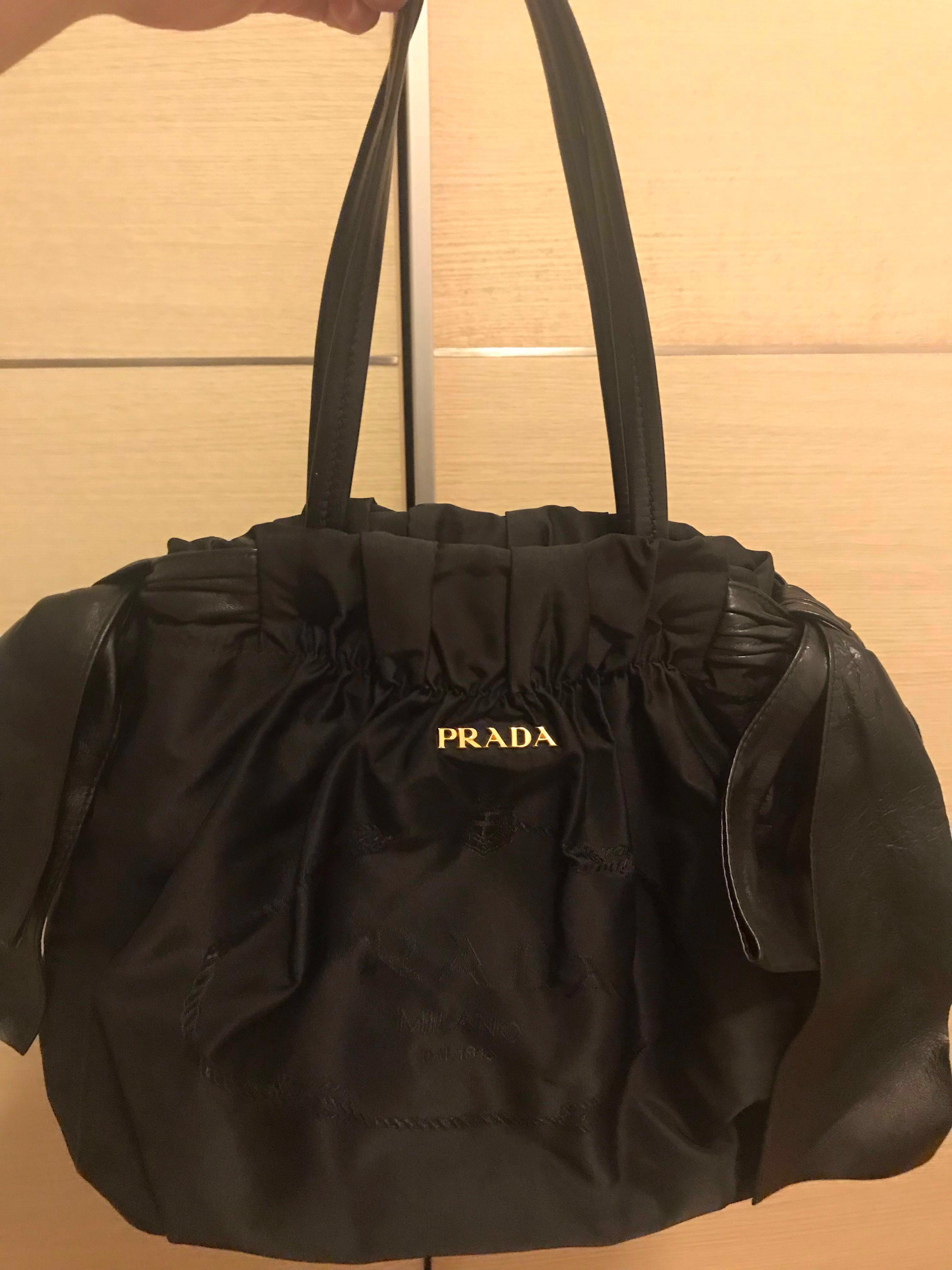 fa0d9c5b068 Original Prada bag for sale on Carousell