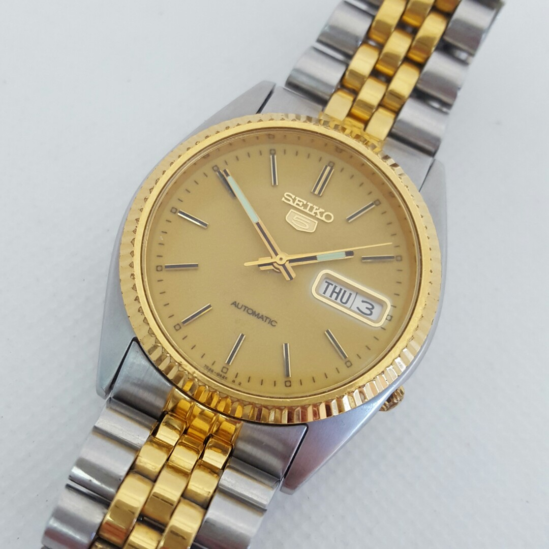 e2aca73dc Seiko 5 Two-tone Day-Date Automatic Men's Watch 7S26-3110, Men's Fashion,  Watches on Carousell
