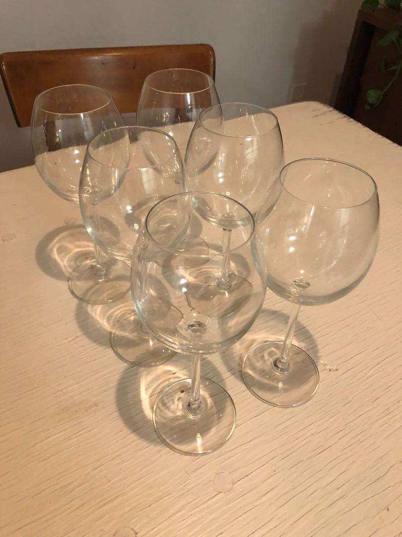 Set of 6 wine glasses