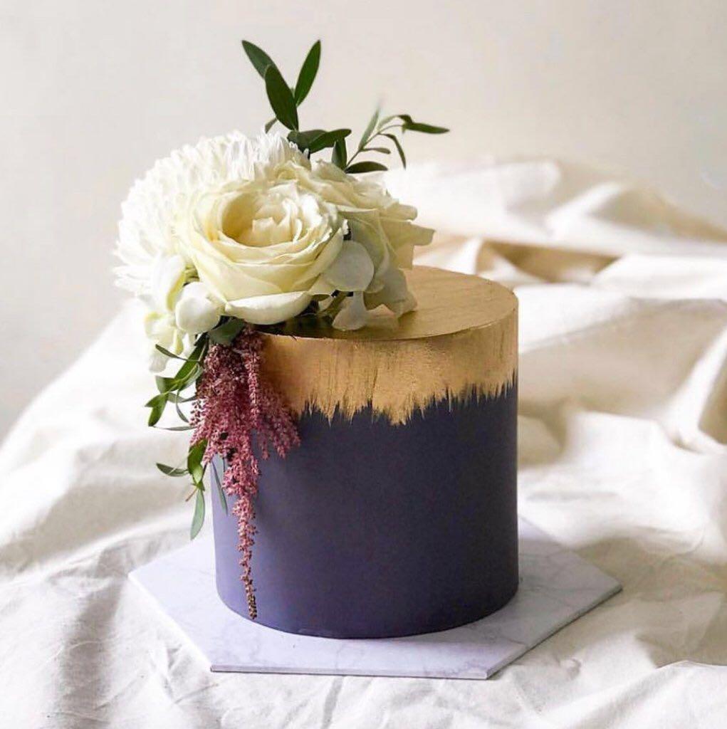 White Marble Cake Board