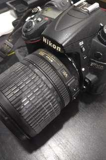 Nikon d7000 with 18-108 mm lens fullset with body grib