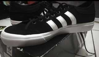 Authentic Adidas matchcourt