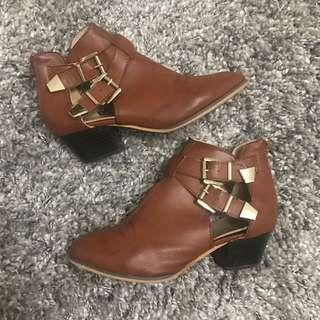 Faux leather booties with buckles size6
