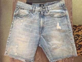 Men's RPM ripped denim shorts! Size S