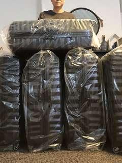 Samsonite Brand New 81 cm luggage