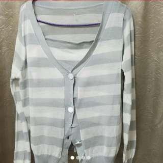 全新淺灰白間針織套裝
