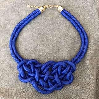 Brand new dark blue knotted unique statement necklace