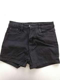 Black short pant