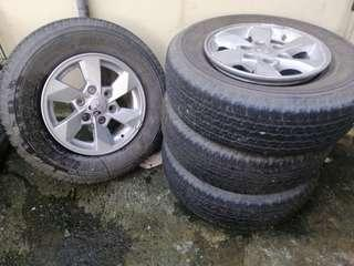 Rims and tires from mitsubishi strada
