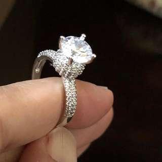 Cincin berlian zircon