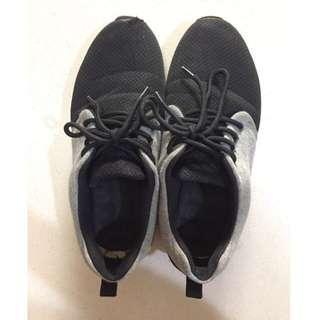 🚚 運動鞋