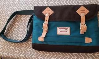 Original doughnut sling bag