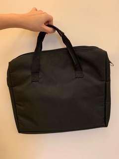 🚚 黑色 素面 手提包包 公事包 電腦包
