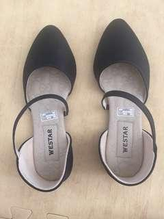 Sepatu size 38